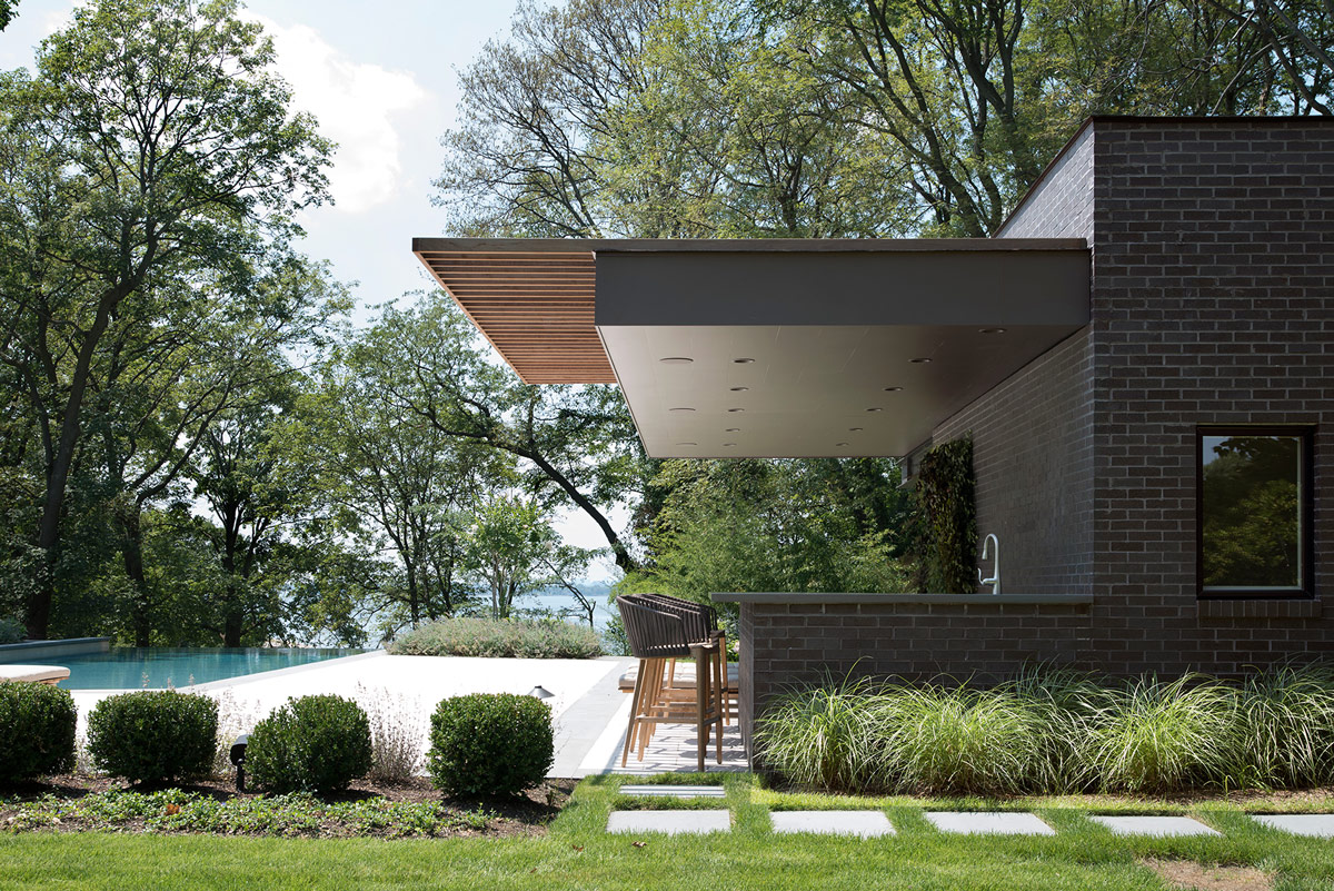 Up modern pool house cabana and shade structure for Home shade structures