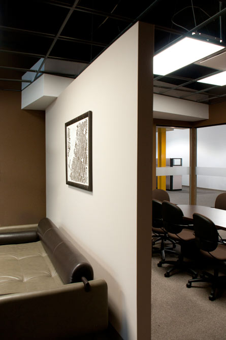 Floating Wall Conference Room Design
